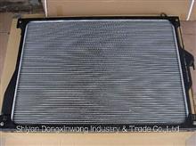 東風康明斯散熱器總成1301ZB6-001/東風汽車配件/1301ZB6-001