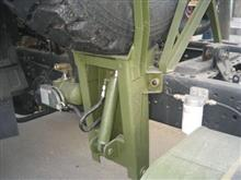 供应优质原厂东风军车配件、EQ2102备胎架固定支架总成/31A-05010