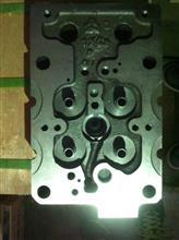 重汽D12四气门电喷缸盖/VG1206004020D