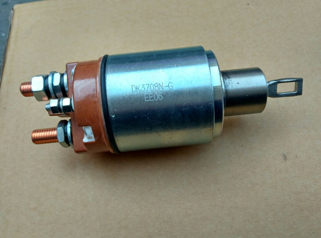 东风153起动机电磁开关dk3708n康明斯启动马达磁力开关3708n-600