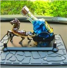 马拉酒香水座 汽车香水座 马到成功汽车香水汽车酒瓶香水