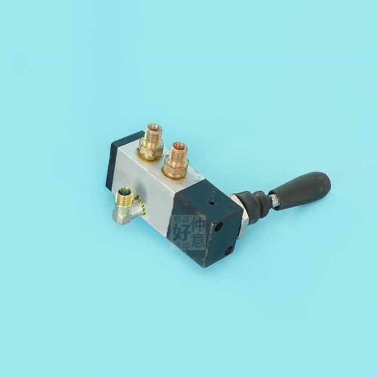 福田时代瑞琪瑞骐高低速开关电磁阀电磁气阀变速箱开关二位变速箱开关