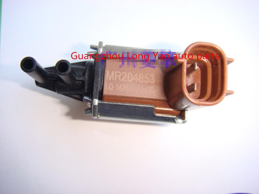 三菱欧蓝德 l200 电磁阀 排污控制电磁阀图片
