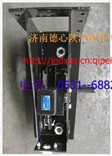 陕汽德龙奥龙备胎架总成   陕汽德龙新版M驾驶总成/DZ95259862000