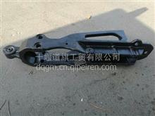 东风天龙覆盖件后悬置下支架带橡胶套总成/5001140-C0102