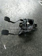 南骏瑞宝王牌717微卡离合刹车踏板支架/123123123