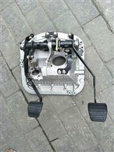 陕汽重卡德龙离合器组合踏板/DZ9112230003