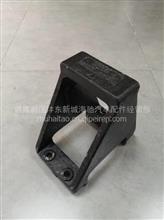 陕汽轩德X6后钢板弹簧右导向座/DZ91129330076