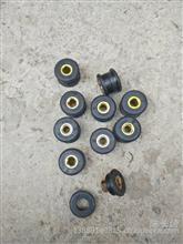 重汽豪沃T7H水箱拉杆胶套/WG9925530238