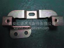 陕汽德龙新M3000前面罩右锁座安装支架总成/DZ15221114112