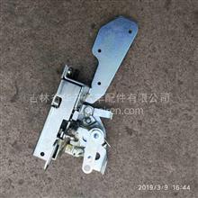重汽汕德卡原厂左车门锁体/811W62680-6143