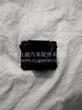 陕汽德龙X3000发动机左前减振垫/DZ95259590115