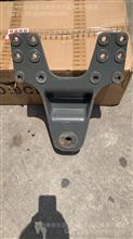 中国重汽亲人配件豪沃板簧支架总成/AZ9725520780