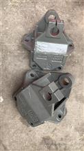 中国重汽亲人配件豪翰钢板前簧前支架总成/AZ9525520011