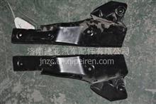 徐工G7右前门二,三级踏步护板中部安装支架二总成/84WLAM111-05240