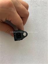 重汽豪沃 小松 上柴电装曲轴位置传感器/029600-0570